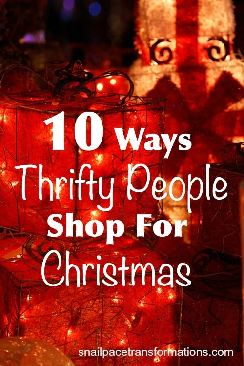 10 ways thrifty people shop for Christmas.