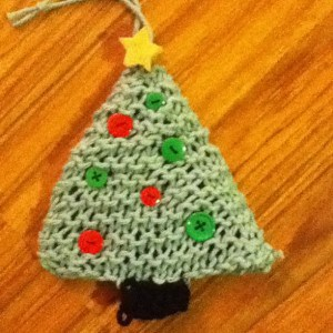knitted-christmas-tree