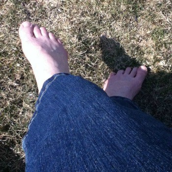 bare feet in spring