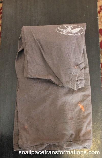 t-shirt one fold