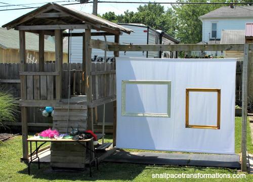 DIY backyard photo booth.