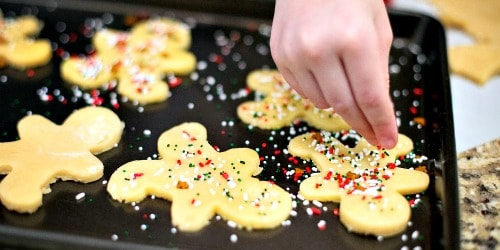 25 Budget-Friendly Christmas Traditions