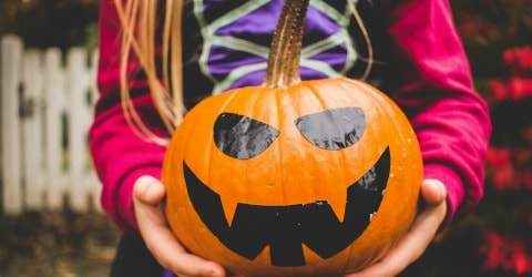 10 Ways Thrifty People Save Money On Halloween Costumes